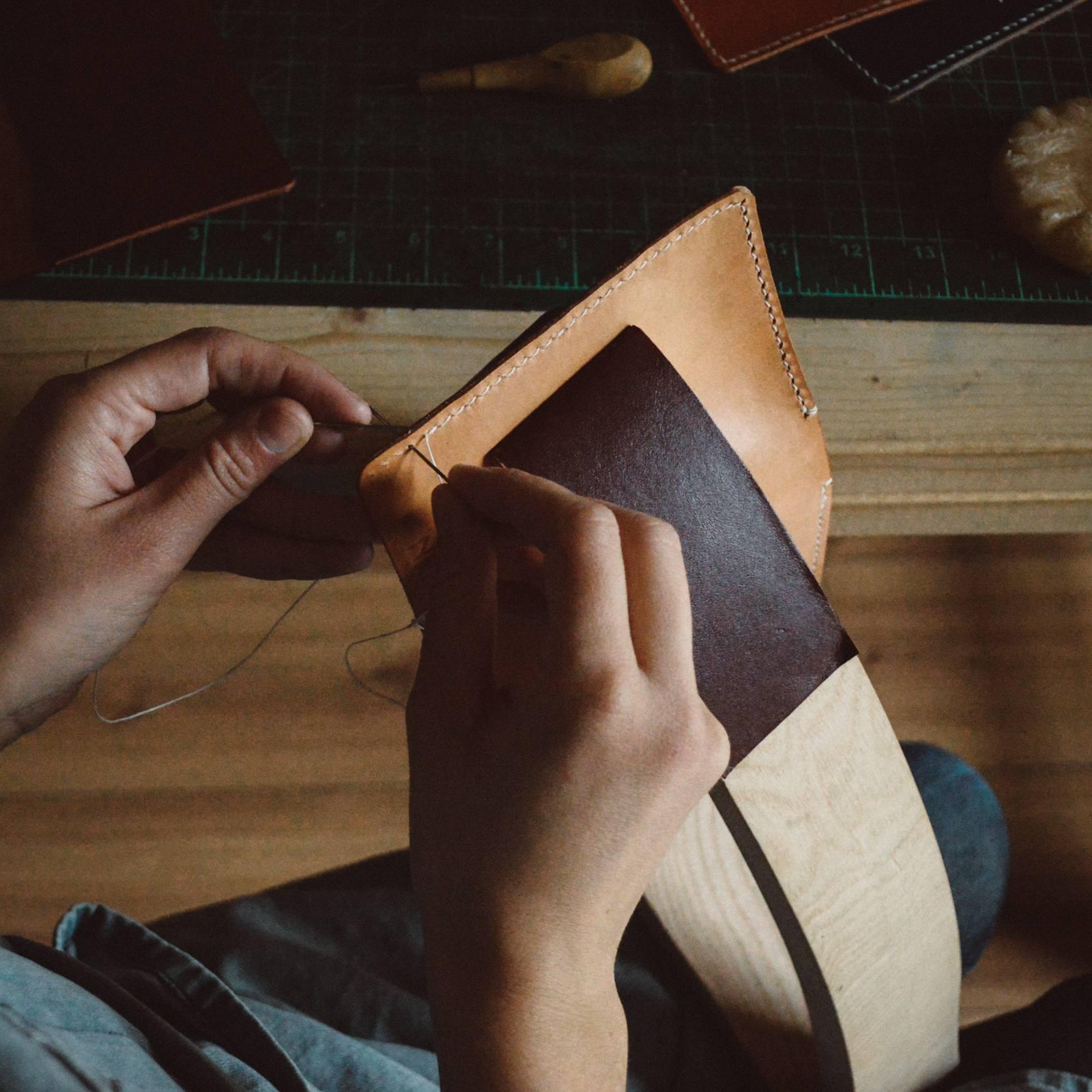 neptuun-leatherwork